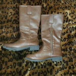 Kids size 13 boots *skid resistant *